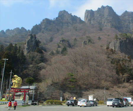 県立妙義公園大駐車場前